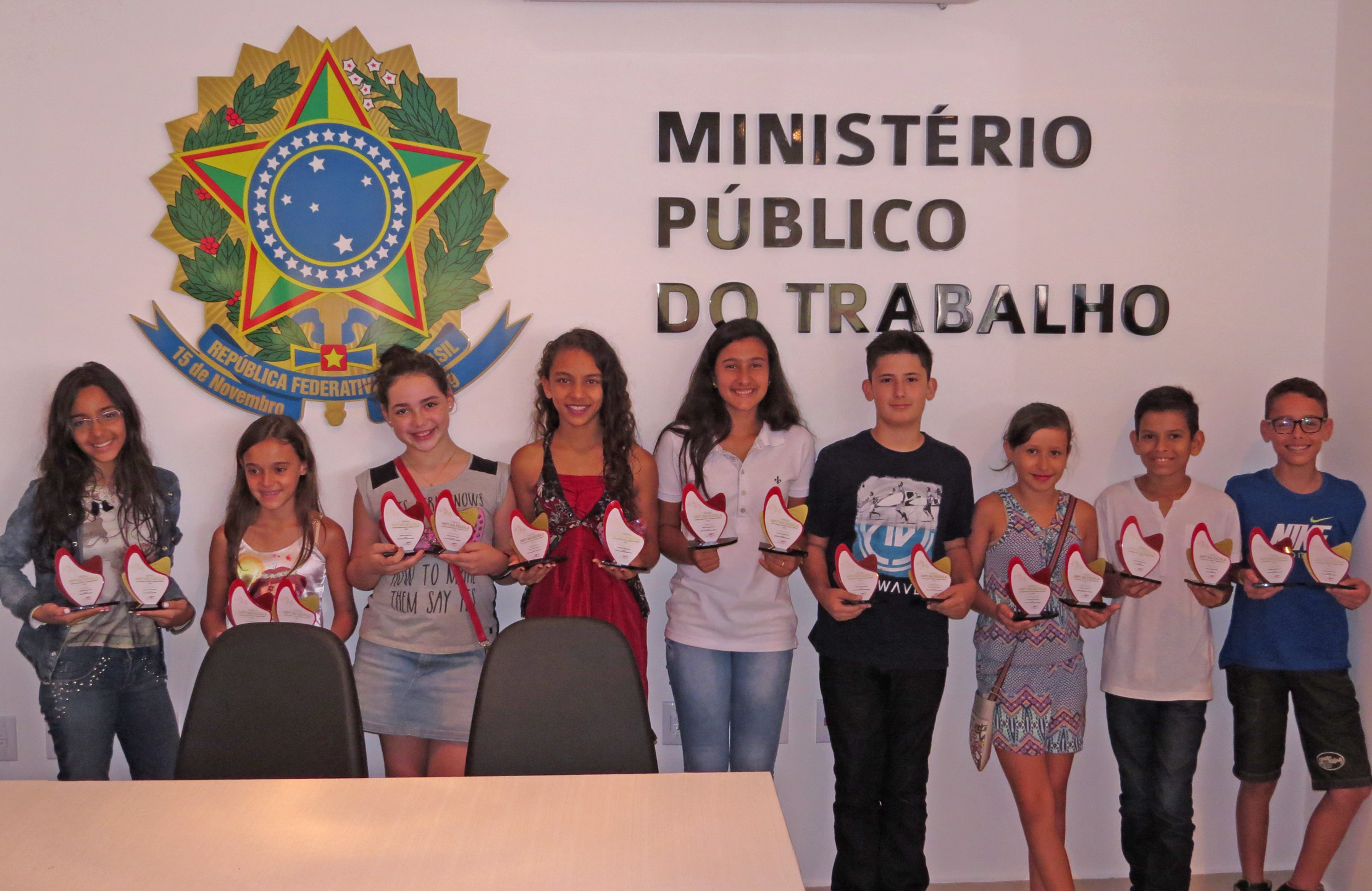 estudantes-de-cravinhos-recebem-premio-do-ministerio-publico-do-trabalho