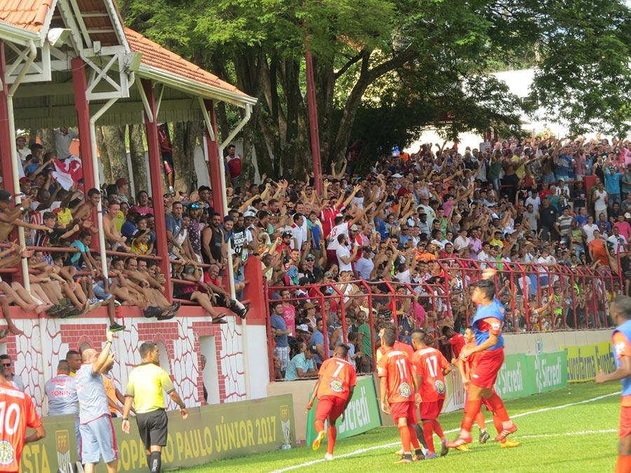 Equipe do Batatais Futebol Clube jogou na cidade de Cravinhos em 2017 e conseguiu chegar na Grande Final do torneio