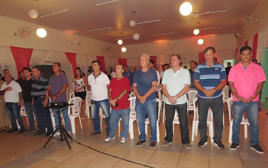 Ex-atletas de Cravinhos foram homenageados durante o evento
