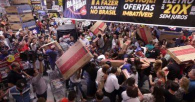Comércio de Ribeirão Preto aposta na 'Black Friday' para alavancar as vendas